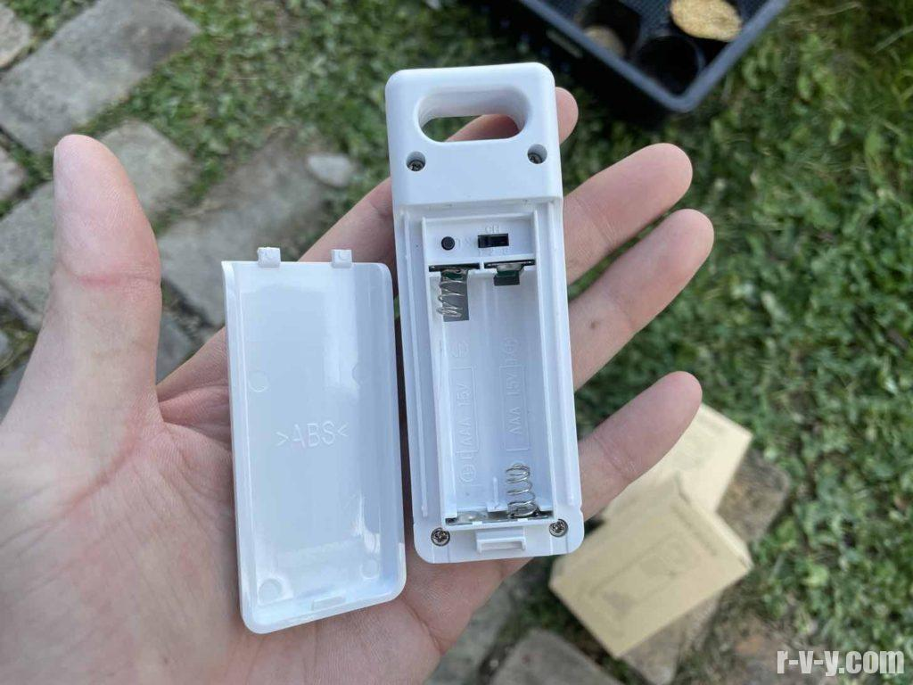 電池は単4